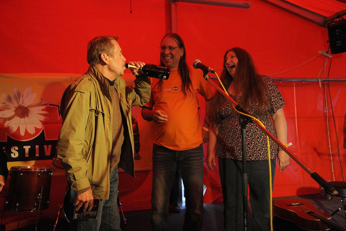 Festival Trutnov - Křest CD Dáši Vokaté, kmotr Václav Havel (2009)