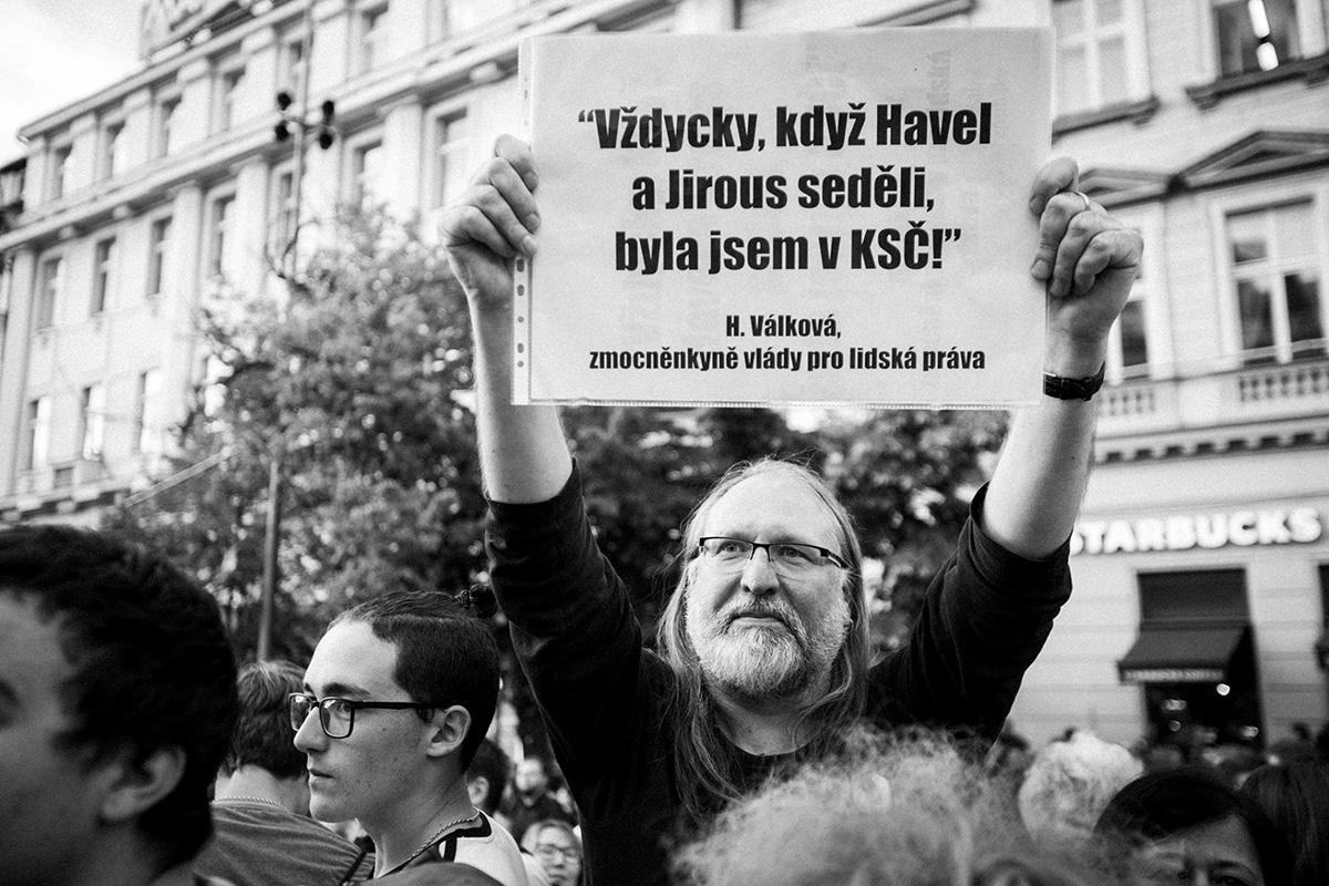 Demonstrace Milionu chvilek pro demokracii na Václavském náměstí (2019)