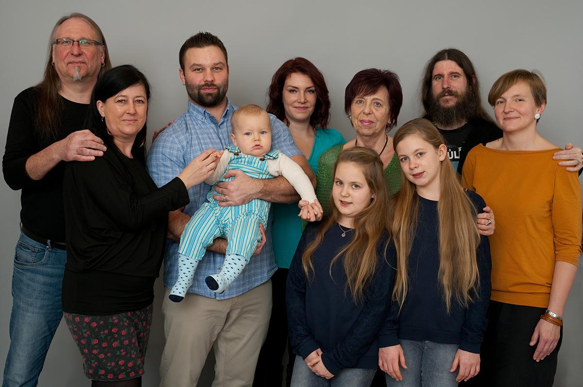 Náš klan – s bratrem, švagrovou, jejich dcerami a manimkou (2019)
